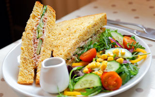 Tuna & Salad Sandwich